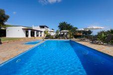 Villa in San Carlos/ Sant Carles de Peralta - Andrew - San Carlos